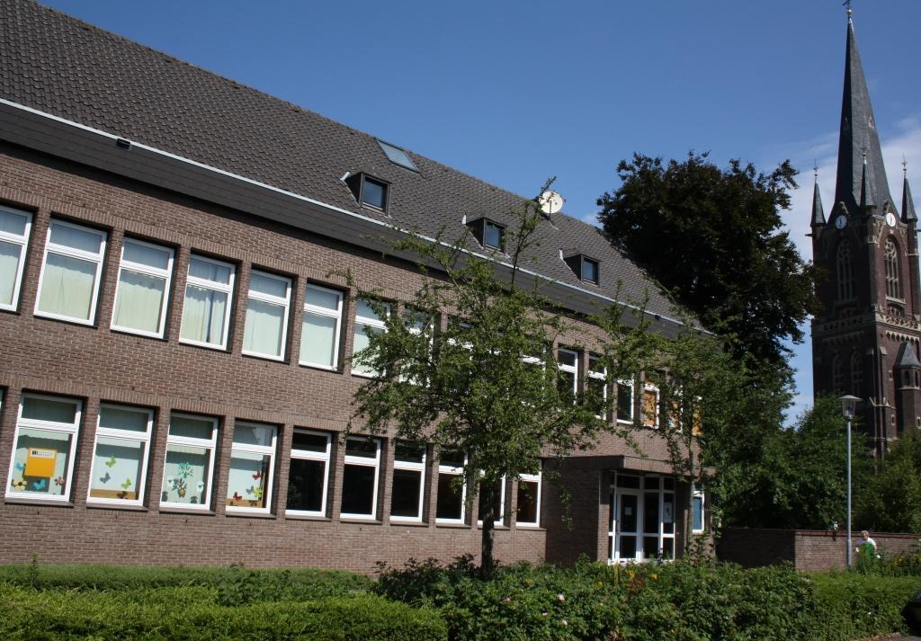 Friedof_und_Jugendheim_23072010_008